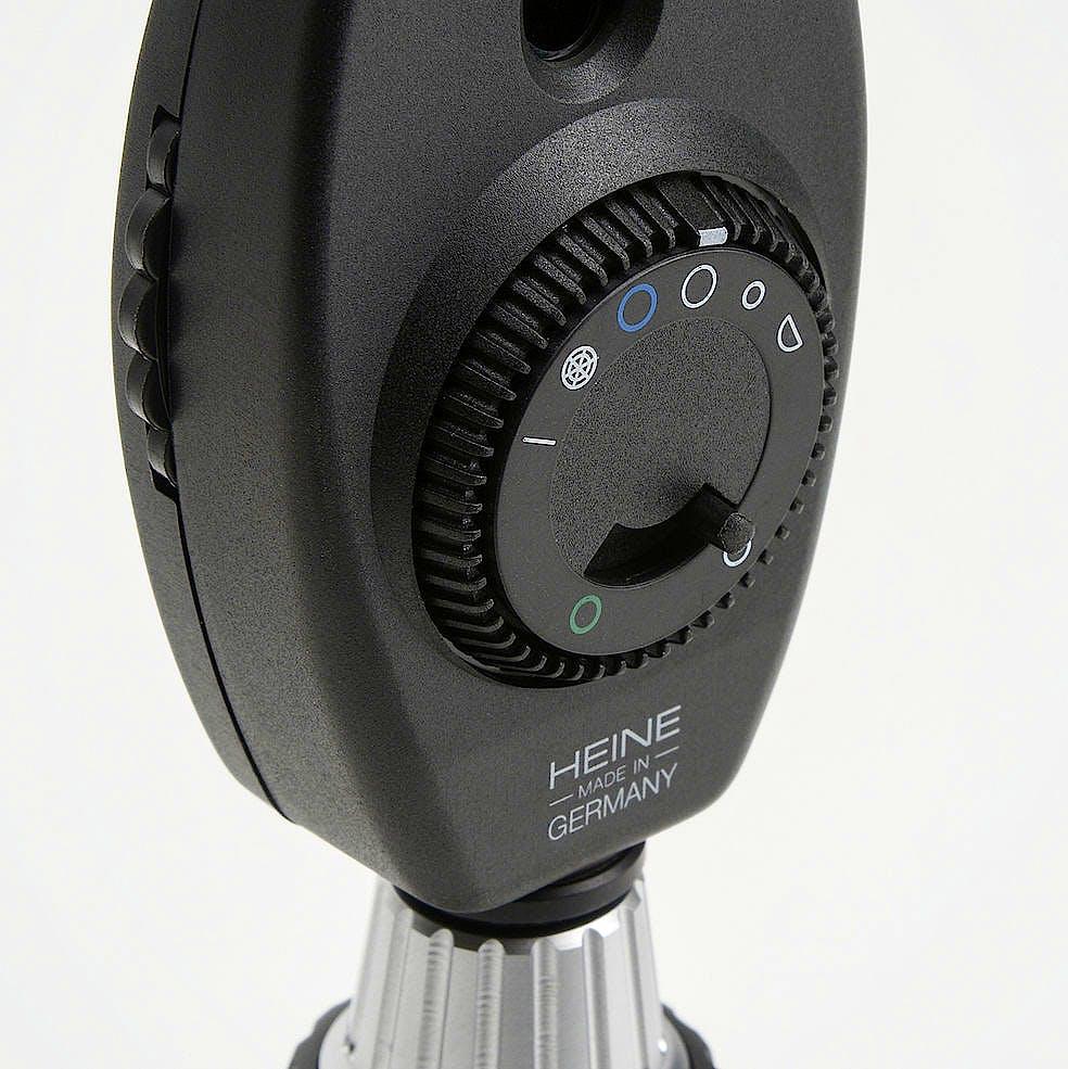 Set Otoscopio Heine Beta 400 F.O. y Oftalmoscopio Beta 200 con 4 Espéculos Reutilizables y 5 Espéculos Desechables de 2,5 y 4 mm. Ø
