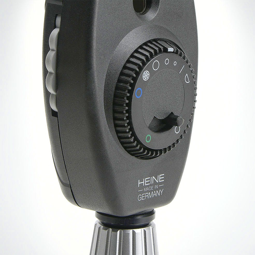 Oftalmoscopio Heine Beta 200S 2,5 V. en Estuche de Rígido, con Mango a Pilas