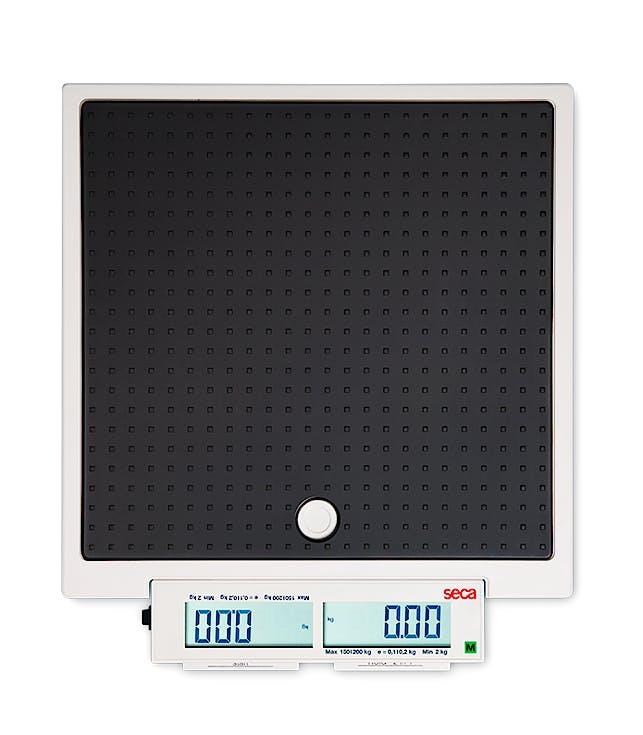 Báscula Electrónica de Suelo Clase III SECA Mod. 878, Pantalla Doble, Función Madre-Bebé, Capacidad 200 kg., División 100 g., Alimentación a Pilas