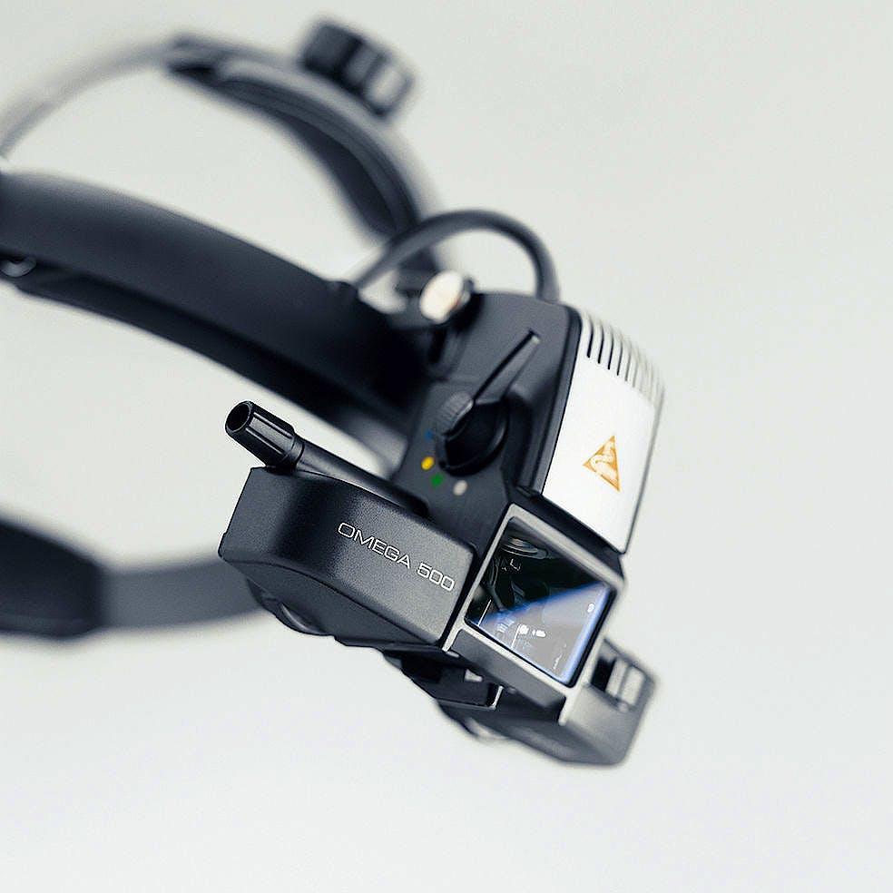 Oftalmoscopio Heine Indirecto Omega500 LED con Casco Frontal + 2 Depresores Esclerales, 1 Lupa AR20D, Espejo Coobservador
