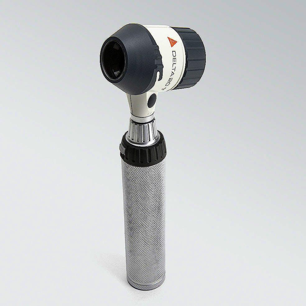Equipo Heine DELTA 20 T con BETA, incluye el cabezal de dermatoscopio DELTA 20 T, disco de contacto con escala, mango a pilas BETA aceite para dermato