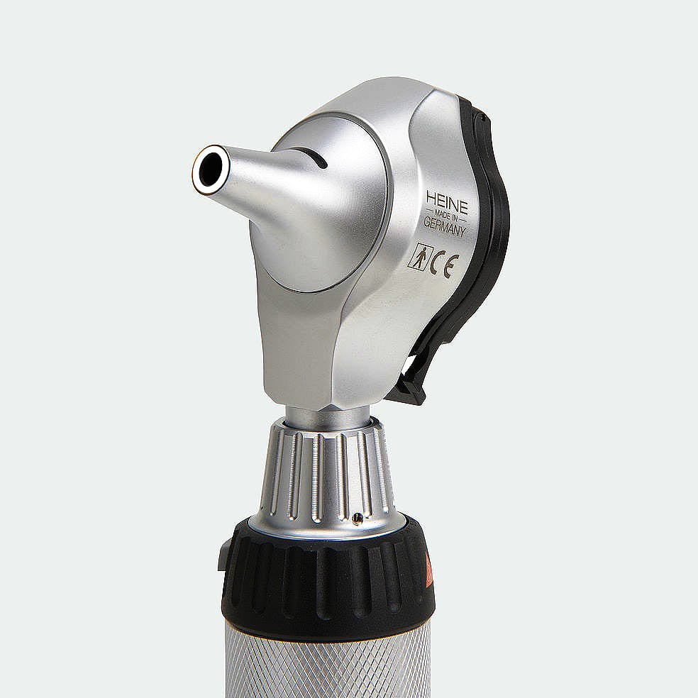 Otoscopio Heine Beta400 F.O. 2,5 V. con 4,2 X Aumentos