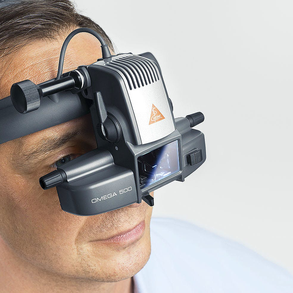 Oftalmoscopio Heine Indirecto Omega500 LED con Casco Frontal + 2 Depresores Esclerales, 1 Lupa AR20D, Espejo Coobservador, 1 Lámpara de Recambio